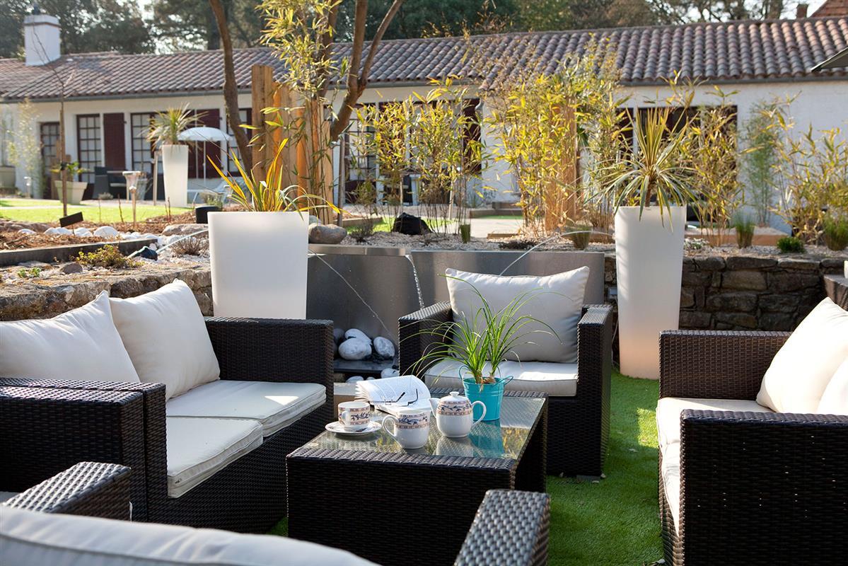 Hotel 3 Etoiles Avec Parc Calme Confort Et Detente